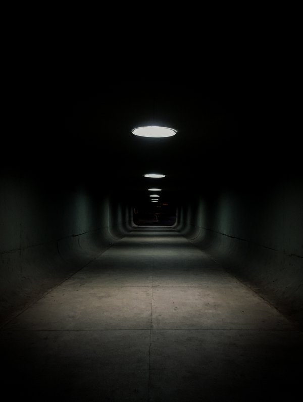 There's no light in the end of the tunel. thumbnail