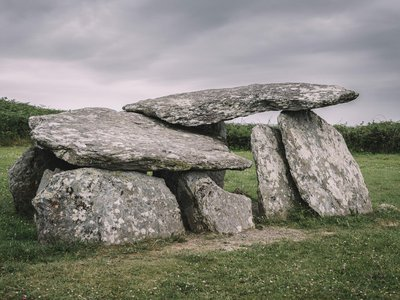 """Bronze Age wedge tombs like the one pictured here are found throughout southwest Ireland. But the newly discovered burial """"seems to be different,"""" archaeologist Mícheál Ó Coileáin tells the Irish Times. """"Wedge tombs are usually visible above ground, [but] this one is completely concealed."""""""
