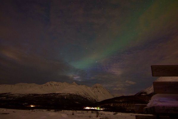 Northern lights dancing near Tromsø, Norway thumbnail