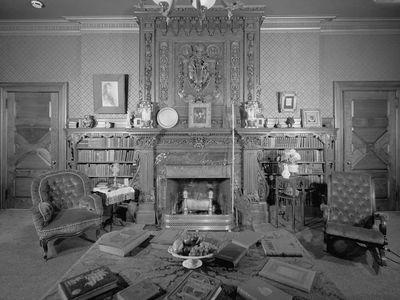 Twain's living room