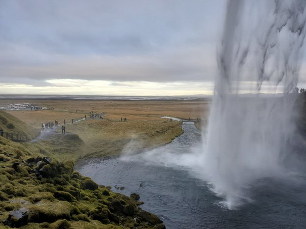 Exploring the Seljalandsfoss thumbnail