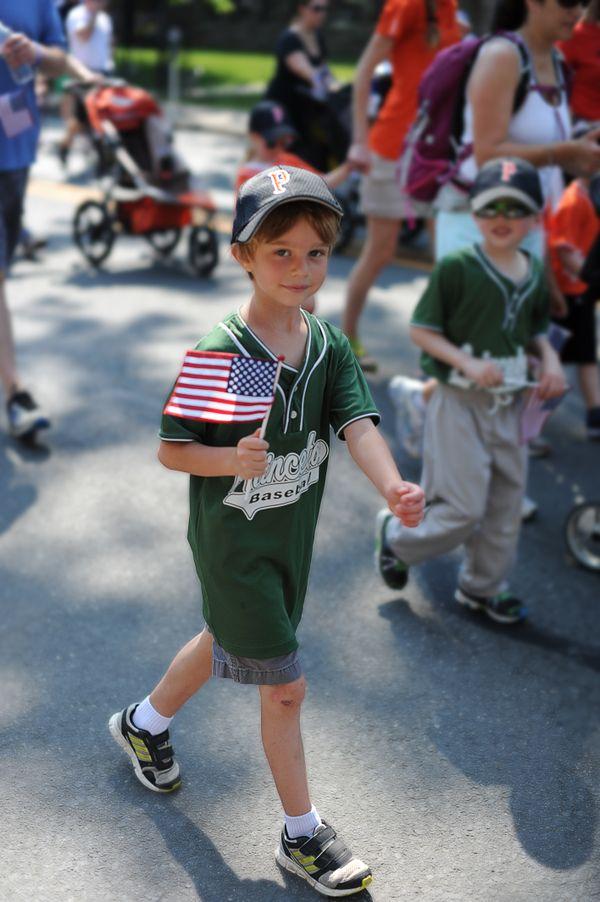 Memorial Day parade thumbnail