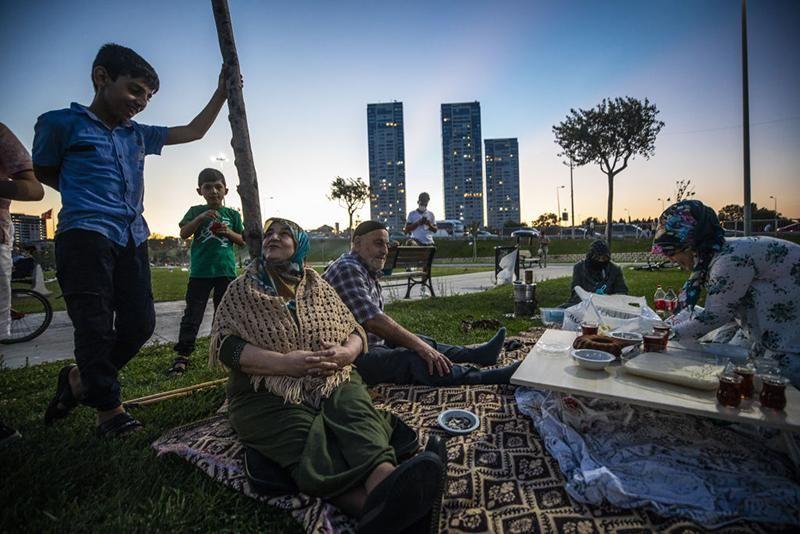 Istanbul picnic.jpg