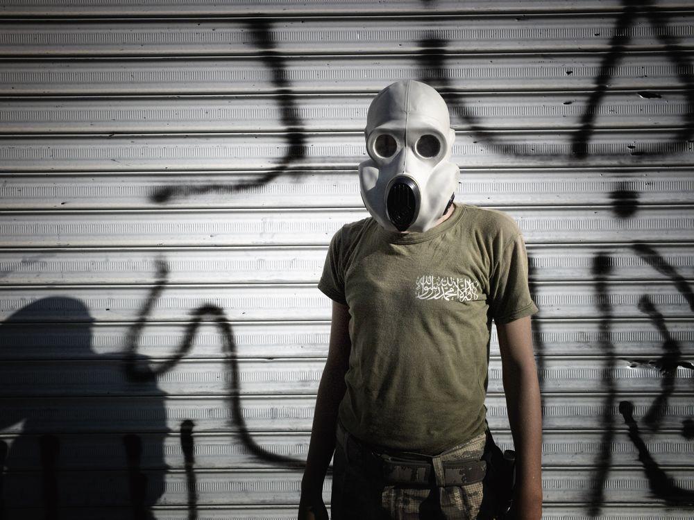 05_02_2014_syria gas mask.jpg