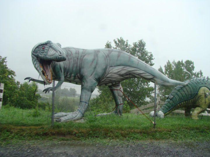 20110520083233Canada-dinosaur-sculpture.jpg