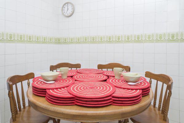 Dining Mats thumbnail