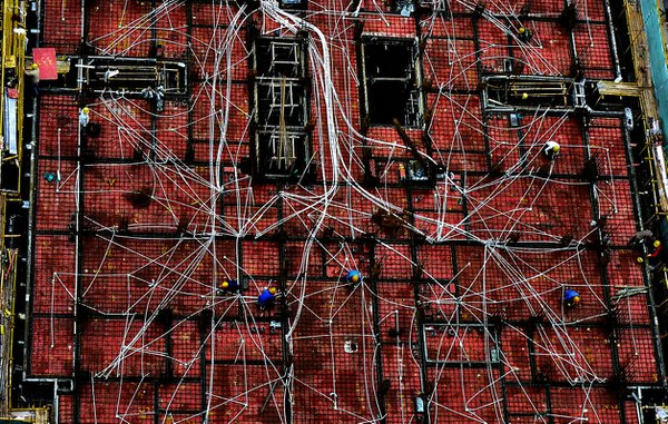 2011/9/19 Amazing view of all these wires at this under construction floor in xi'an city,china thumbnail