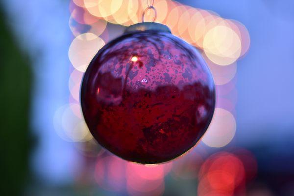 Holiday ornaments thumbnail