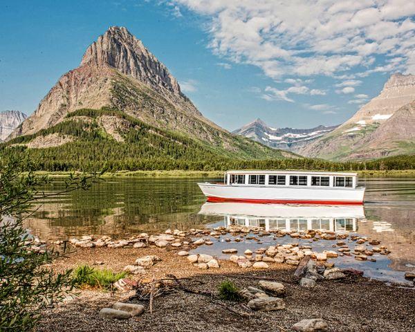 Tour Boat at Glacier thumbnail