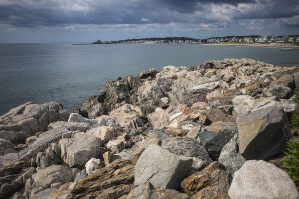 Granite Rocks in New Hampshire shore thumbnail