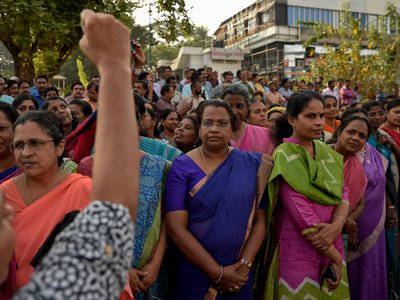 """A segment of the 3 million-strong """"women's wall"""" that gathered in the southern Indian state of Kerala on January 1, 2019."""