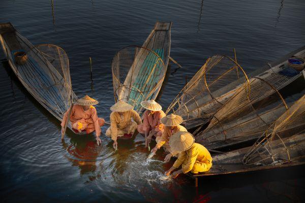 Art of Fishing in Inle Lake thumbnail