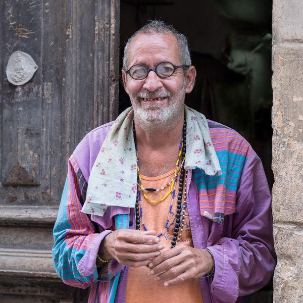 Man in doorway Havana Cuba thumbnail