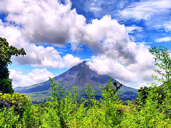 A Glance of Arenal Volcano in Costa Rica thumbnail