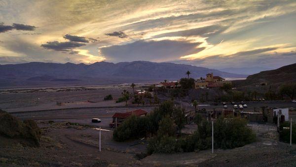 Hidden Sunset in Death Valley thumbnail