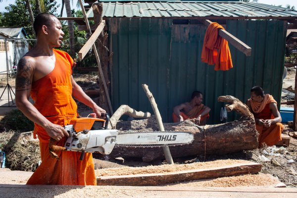 Monk with chainsaw thumbnail