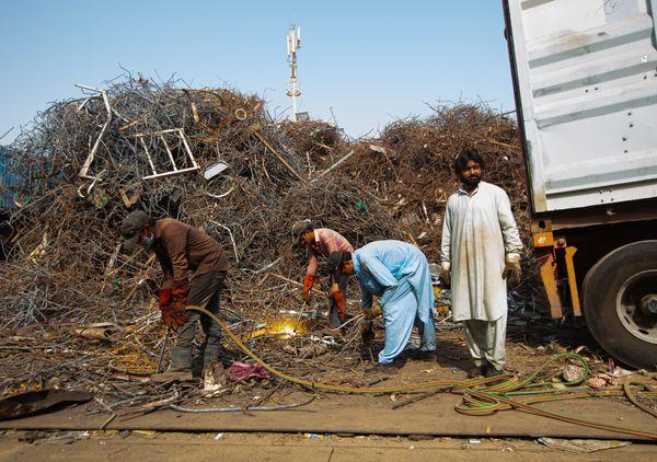 Scrap Metal Workers in Musaffah, UAE thumbnail