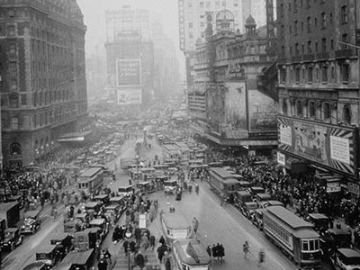 """O. O. McIntyre's daily column about the city, """"New York Day by Day,"""" ran in more than 500 newspapers throughout the United States."""