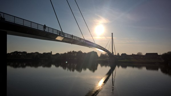 two cities, one bridge, last sun of the year thumbnail