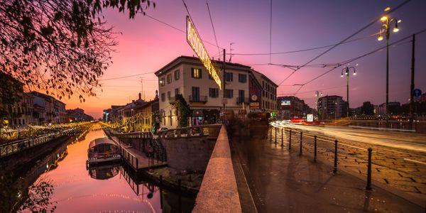 Christmas sunset in Milan thumbnail