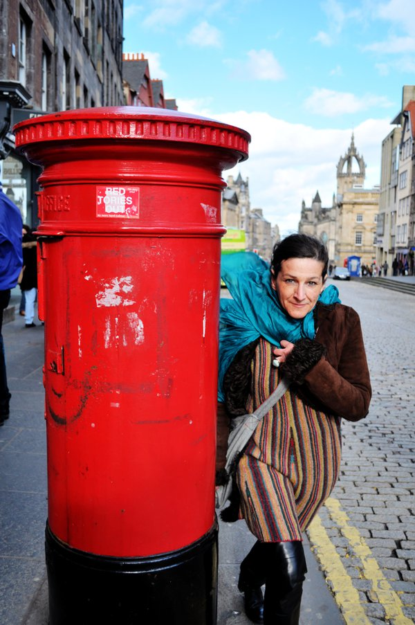 Royal Mailbox @The Royal Mile, Edinburgh, Scotland thumbnail