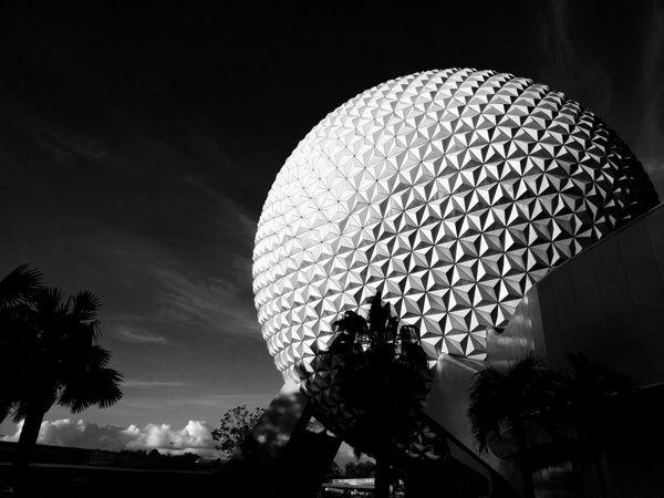 World's Biggest Golf Ball thumbnail