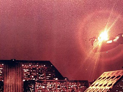 In Blade Runner, pollution and overpopulation have transformed cities such as Los Angeles into depressing megacities.