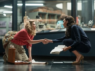 Smithsonian gemologist Barbara Minerva (Kristen Wiig) meets her colleague, Diana Prince (Gal Gadot) in Wonder Woman 1984, which was filmed at three Smithsonian museums.