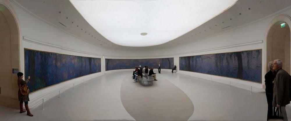 Panorama_Interior_of_Musée_de_l'Orangerie_2.jpg