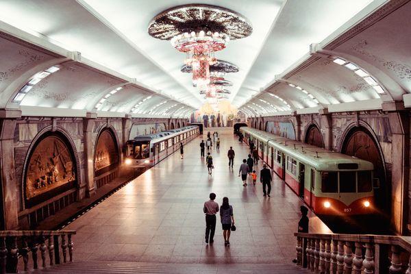 Metro in Pyongyang thumbnail