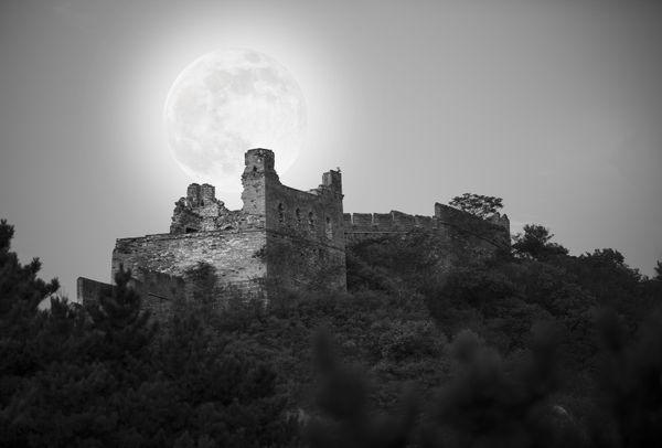 The Great Wall moon thumbnail