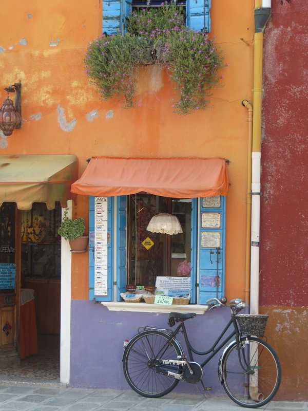The constrast of colors and shapes of Burano,Italy thumbnail