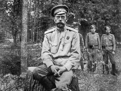 Nicholas II with guards outside the imperial palace.
