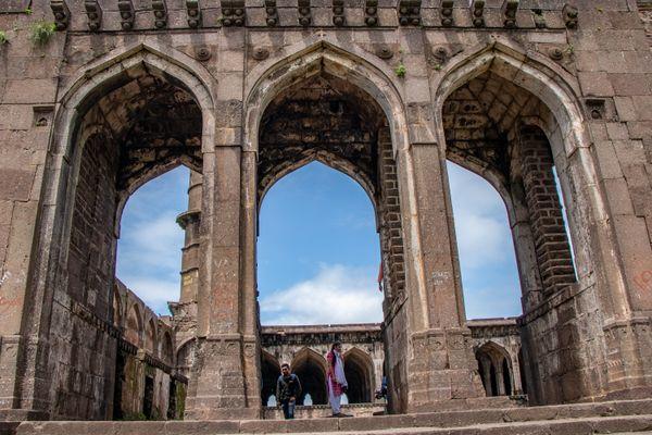 Main entrance of Asirgarh fort,MP,INDIA thumbnail