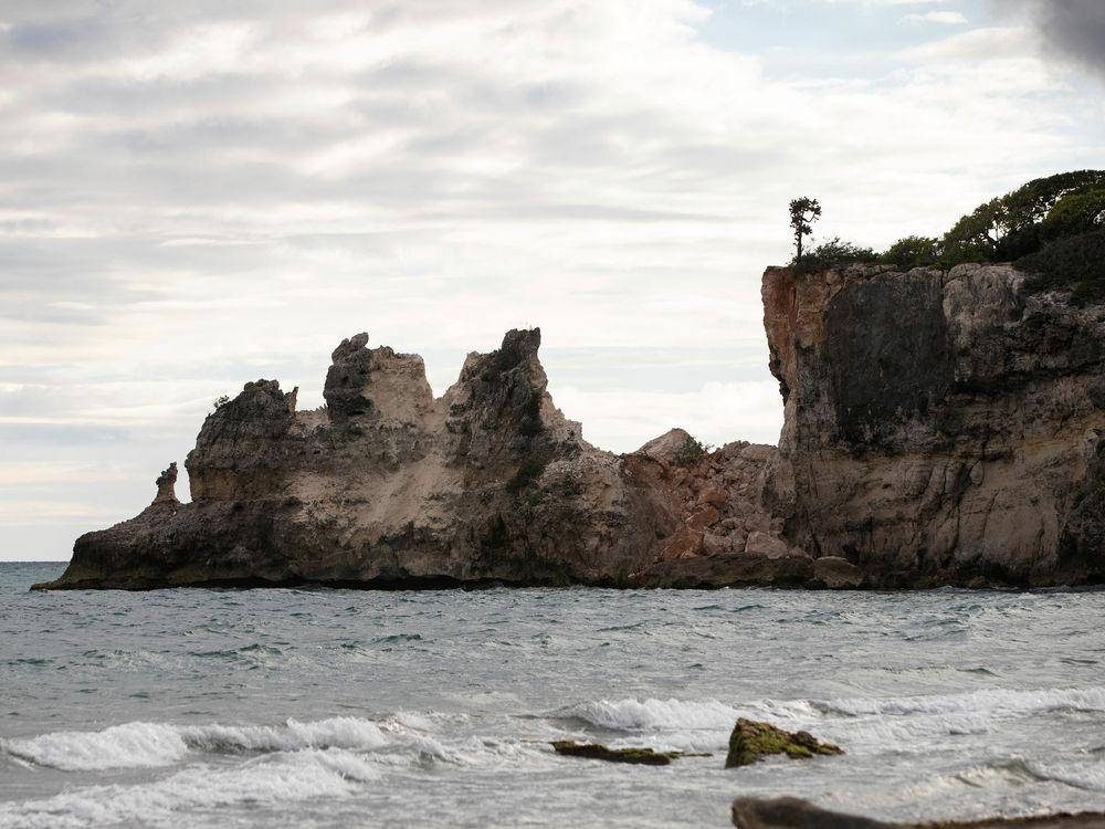 Aftermath of earthquake at Punta Ventana