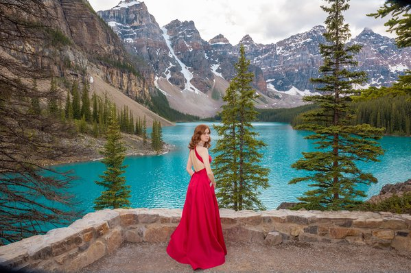 Red Dress in the Rockies thumbnail