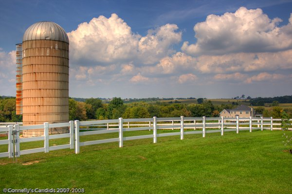 Barnyard and landscape In Northwestern IL thumbnail