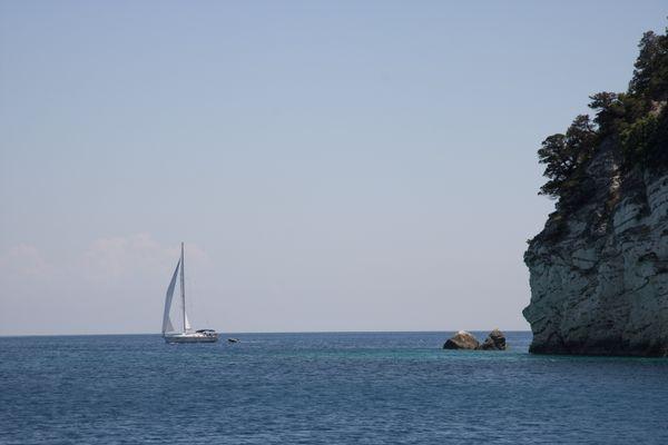 Lonely sail thumbnail