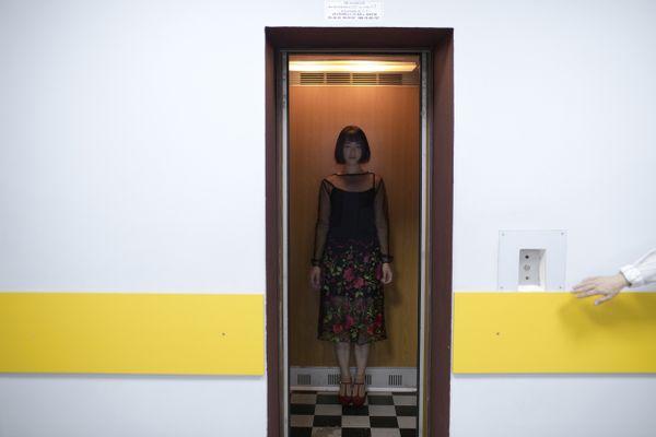 Korean girl in Ukrainian elevator thumbnail