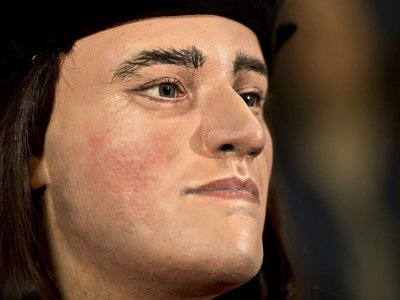 A facial reconstruction of King Richard III, based on an analysis of his recently identified remains and artist portrayals over the years, was unveiled by an eponymous historical society on Tuesday.