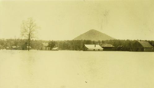 The Arkansas River flooded Natural Steps, Arkansas in 1927