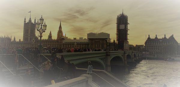 London's Big Ben Receives a Face Lift thumbnail