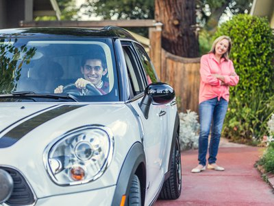 Using the Automatic Link and License+ app, parents can coach their teens to have safer driving habits.