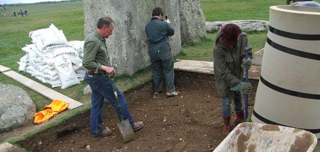 dis5-stonehenge-631.jpg