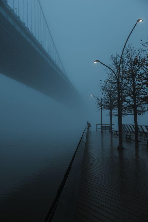 Benjamin Franklin Bridge disappearing into the fog thumbnail