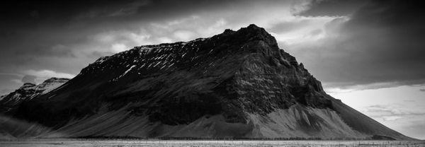 Huge  rock formation on the Icelandic coast, near Vík. thumbnail