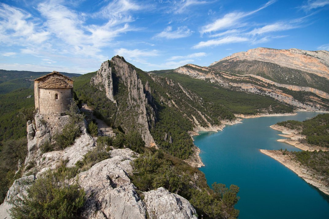 Discover 20 Must-See Places in Catalonia