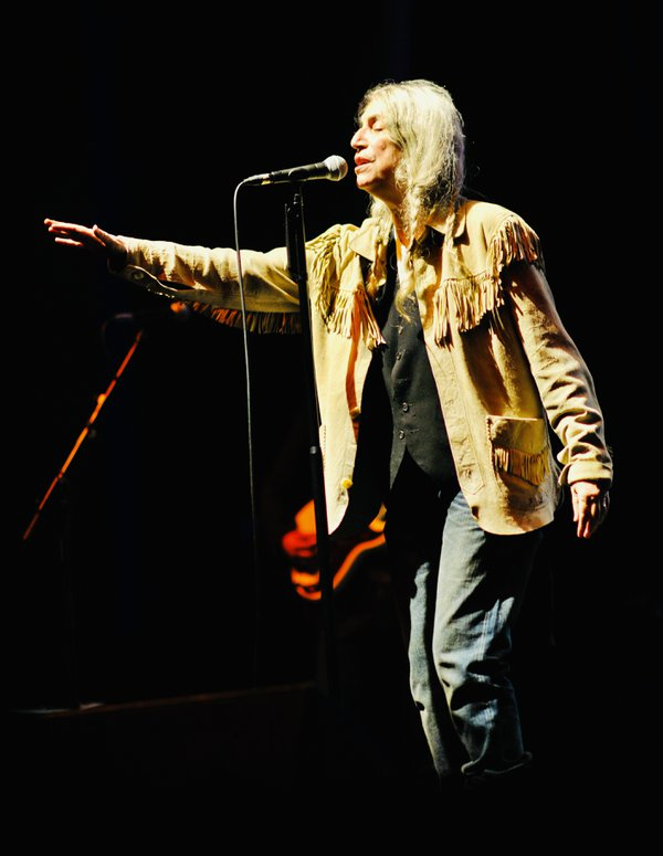 Patti Smith…The singer, the song. thumbnail