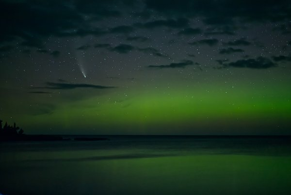 Comet Neowise & Aurora Hunters Point Copper Harbor MI thumbnail