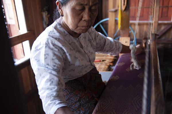 Weaver in Myanmar thumbnail